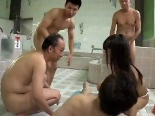 Abe Mikako go to the loo