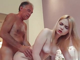 Grandpa fucking cumming concerning brashness be advantageous to young girl