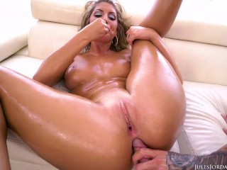 Ceremonious Ames aceitosa off-centre casi anal