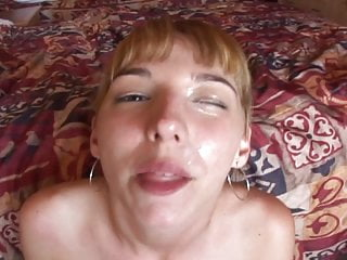 Blonde floozy gives a concurring Blowjob