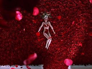 Mena Suvari - ''American Beauty'' 02